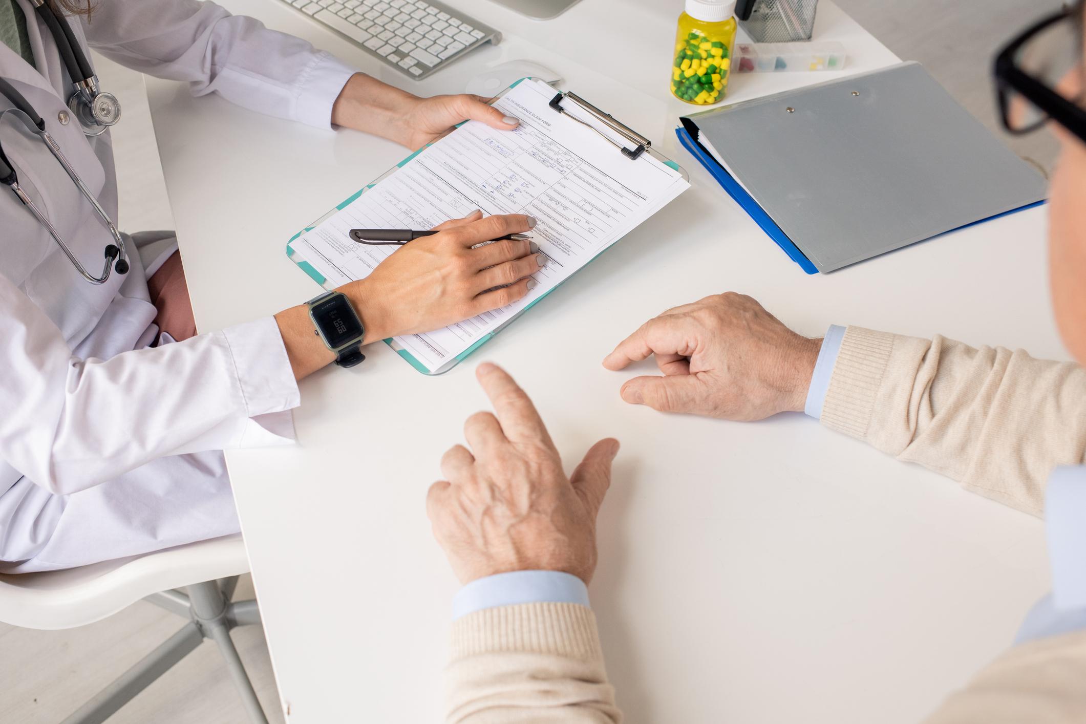 Facharzt Omid Raissi Versicherungsmedizin